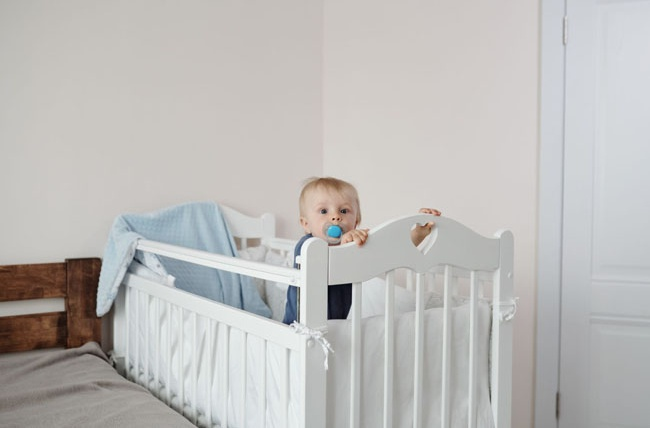 Moving Your Little One From Cot to Bed